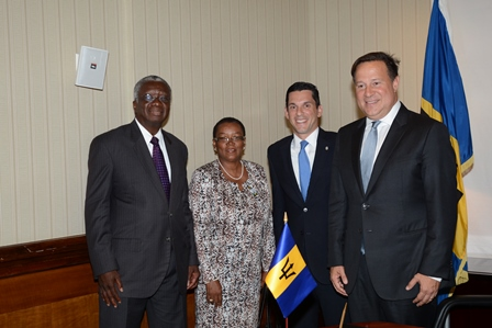 Barbados' Prime Minister Freundel Stuart; Minister of Foreign Affairs and Foreign Trade, Senator Maxine McClean; Vice Minister of Foreign Affairs, Luis Miguel Hincapié and Panama's President, Juan Carlos Varela pose for a photograph
