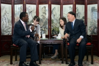 Grenada, China Sign MOU on Air Transport Cooperation