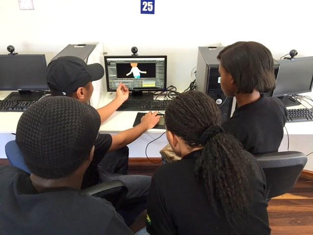 Animation demonstration at Totness Creations (Photos via Spang Makandra, Martha Tjoe Ny and Riane de Haas-Bledoeg}