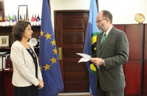 ICOM Secretary-General, Ambassador Irwin LaRocque accepts the new EU Ambassador's Letter of Credence CARICOM Secretary-General delivers brief remarks as the new EU Ambassador listens