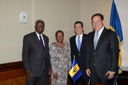 Barbados' Prime Minister Freundel Stuart; Minister of Foreign Affairs and Foreign Trade, Senator Maxine McClean; Vice Minister of Foreign Affairs, Luis Miguel Hincapié and Panama's President, Juan Carlos Varela pose for a photograph