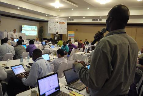 An open session at the tenth regional gathering of the Caribbean Network Operators Group (CaribNOG 10), which took place in Belize City, Belize, from November 2 to 6, 2015. Photo: Gerard Best