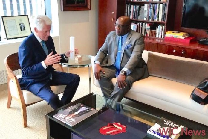President Bill Clinton and Prime Minister Timothy Harris.