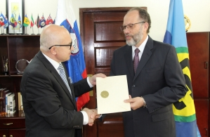 His Excellency Stanislav Vidovič presents his letters of credence to CARICOM Secretary-General