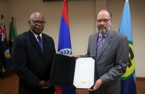 Ambassador Lawrence Sylvester presents Letter of Accreditation