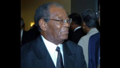 Photo of Tribute To Sir Everton Weekes: Climbing To The Top – By CARICOM Chairman, Prime Minister Dr Ralph Gonsalves Of St. Vincent And The Grenadines