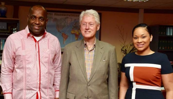 """Photo of Former US President  William """"Bill"""" Clinton arrives in Dominica"""