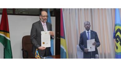 Photo of Secretary-General accredits Guyana's new Ambassador to CARICOM