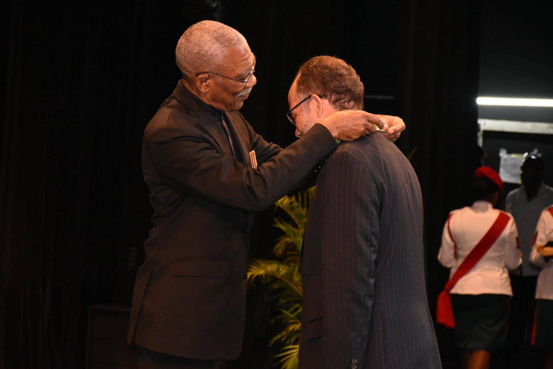 Photo of CARICOM Secretary-General gets Guyana national award