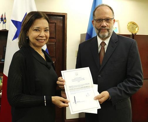 Photo of CARICOM SG accredits Panama's first Ambassador