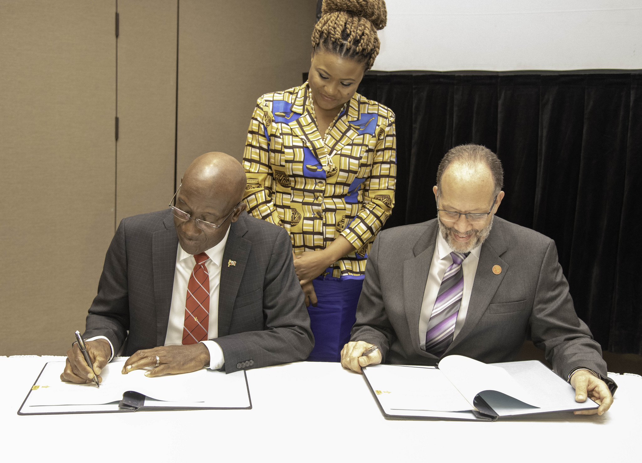 Photo of Trinidad and Tobago signs CARIFESTA XIV Host Country Agreement.